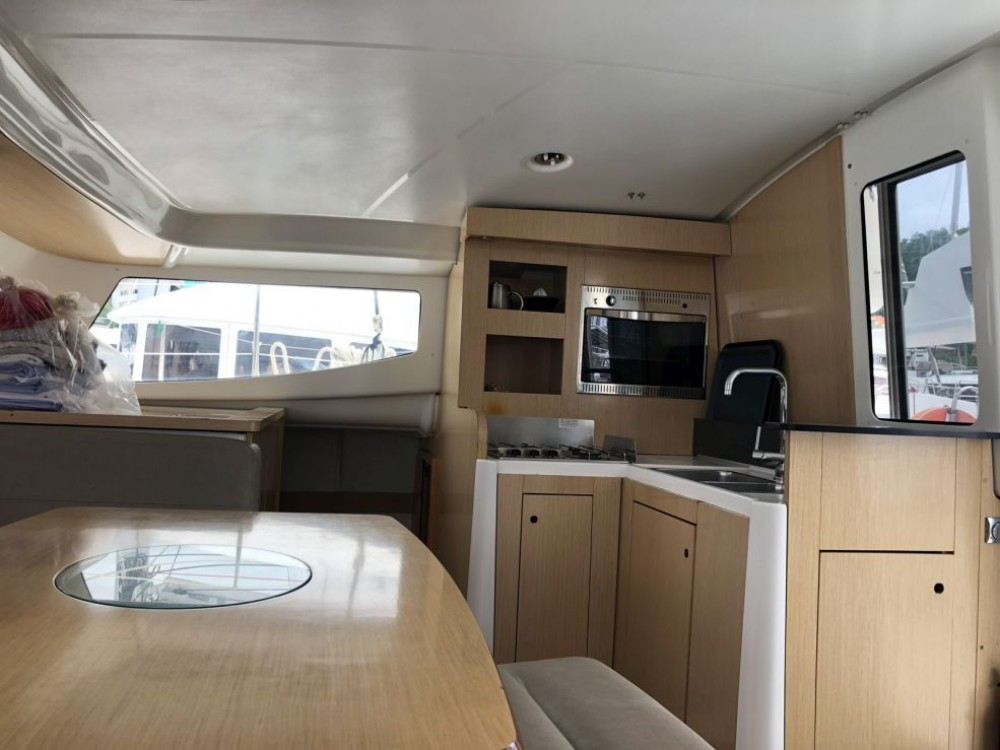 Location Catamaran à Le Marin - Fountaine Pajot Mahe 36 Evolution