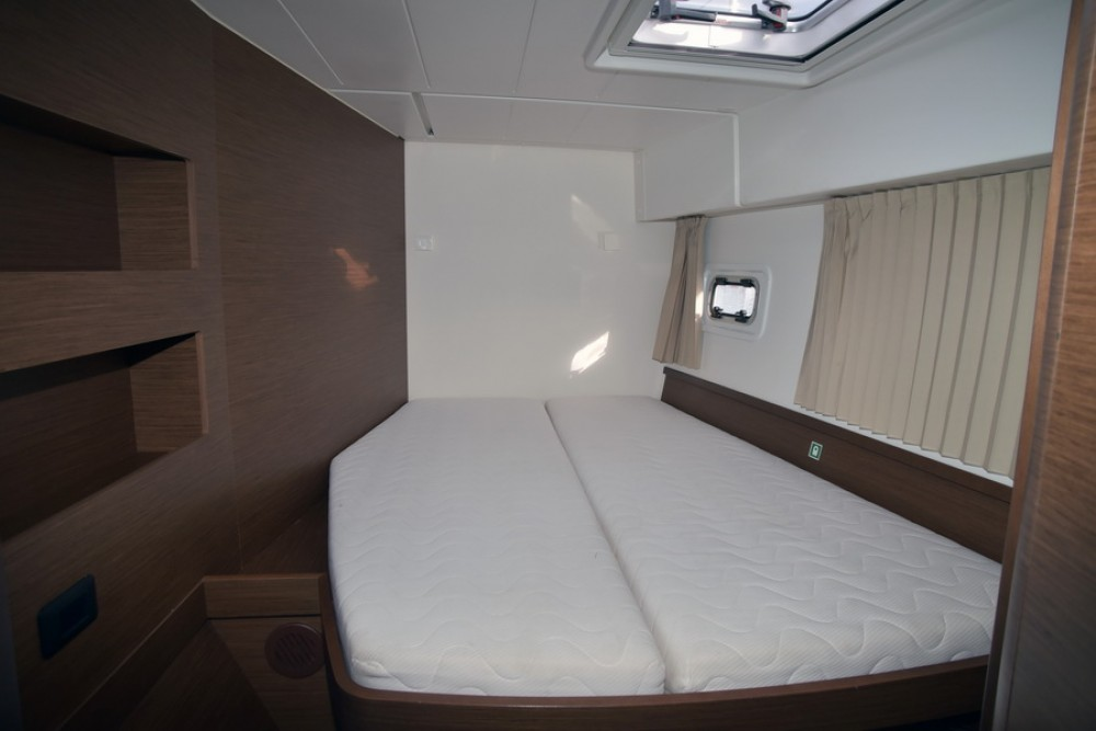 Location Catamaran à Athènes -  Lagoon 42