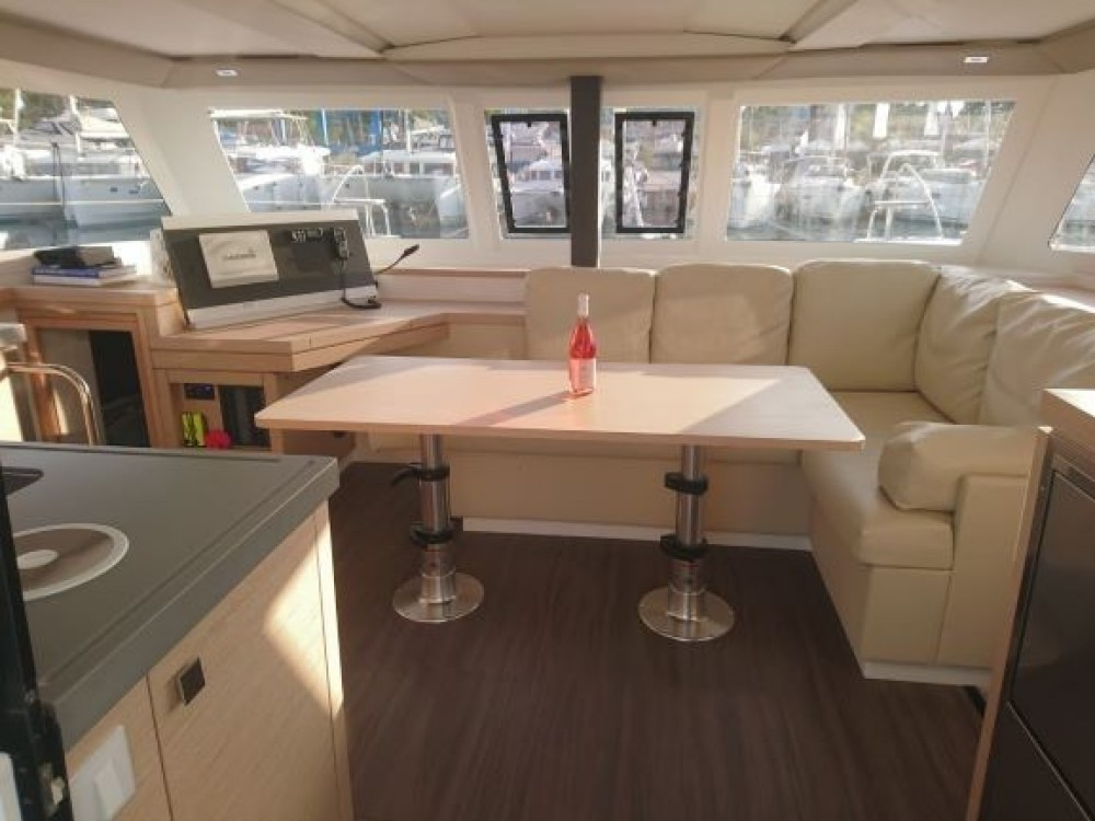 Location Catamaran à Καλαφατιώνες - Fountaine Pajot Fountaine Pajot