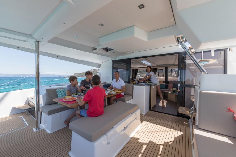 Location yacht à Victoria - Fountaine Pajot Saona 47 sur SamBoat