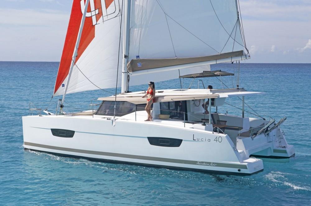 Location yacht à Tourlos - Fountaine Pajot Lucia 40 sur SamBoat