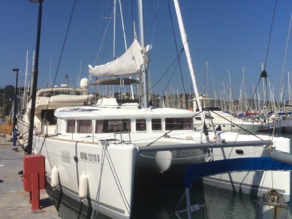 Location bateau Torre del Greco pas cher Lagoon 450