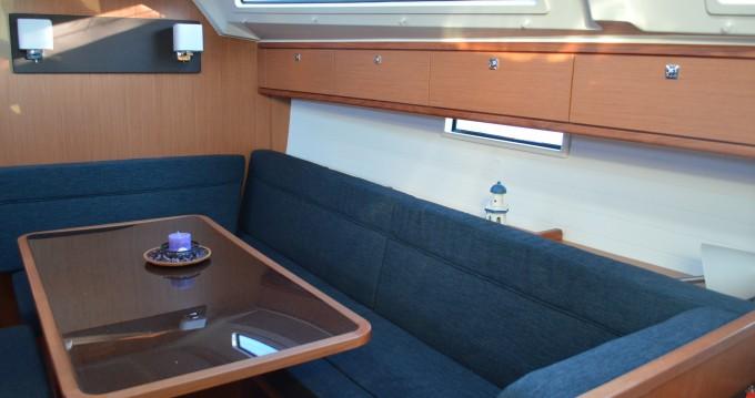 Louez un Bavaria Cruiser 41 à Álimos