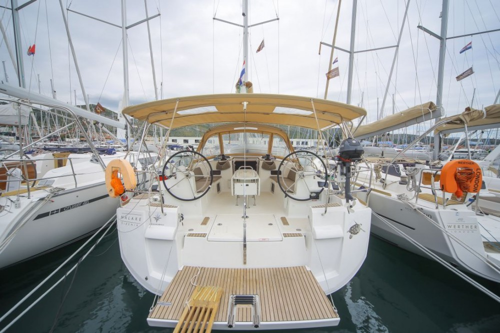 Louer Voilier avec ou sans skipper Jeanneau à Trogir