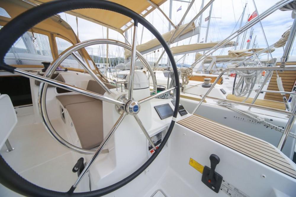 Location bateau Trogir pas cher Sun Odyssey 519