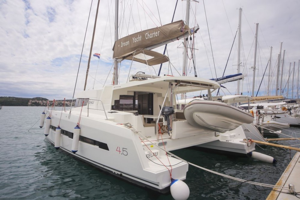 Location bateau Catana Bali 4.5 à Trogir sur Samboat