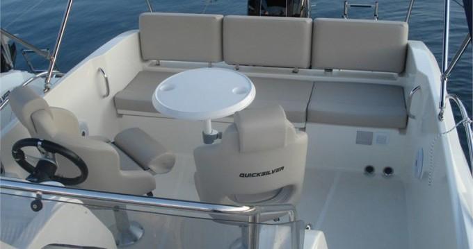 Louer Bateau à moteur avec ou sans skipper Quicksilver à Saint-Raphaël