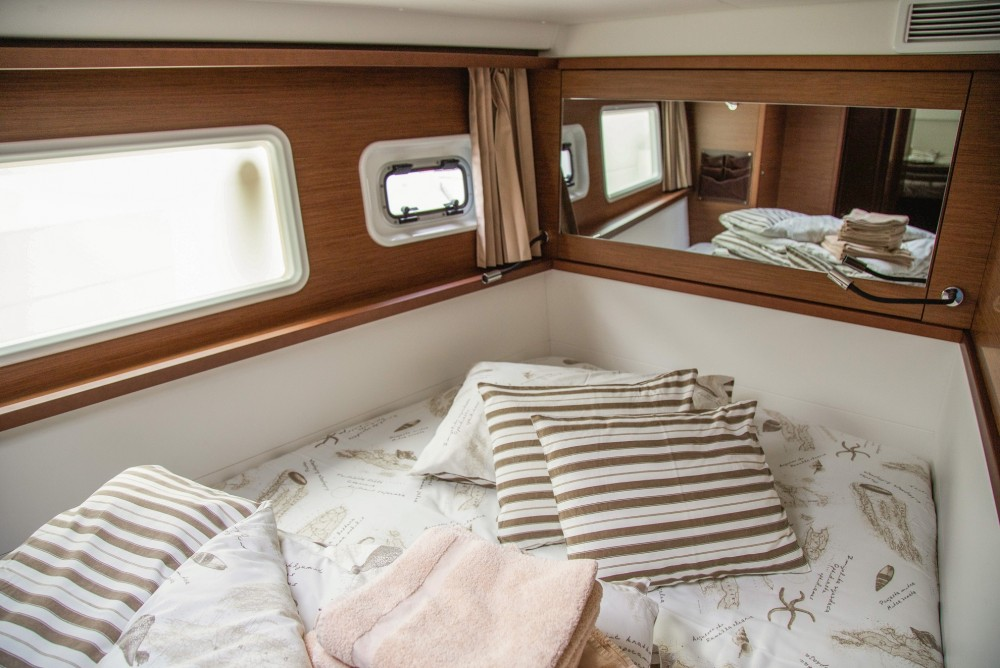 Location bateau Lagoon Lagoon 450 F (2019) ANJA equipped with generator, A/C (saloon+cabins), water maker, washer/dryer, dishwasher, microwave oven à Slano sur Samboat
