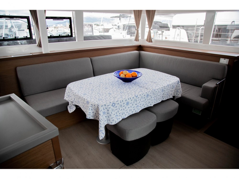 Location yacht à Slano - Lagoon Lagoon 450 F (2019) ANJA equipped with generator, A/C (saloon+cabins), water maker, washer/dryer, dishwasher, microwave oven sur SamBoat