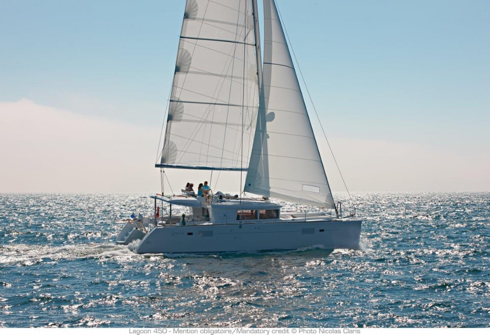 Location Catamaran à Split - Lagoon Lagoon 450 F (2019) equipped with generator, A/C (saloon+cabins), water maker, dishwasher, ice maker, bow truster
