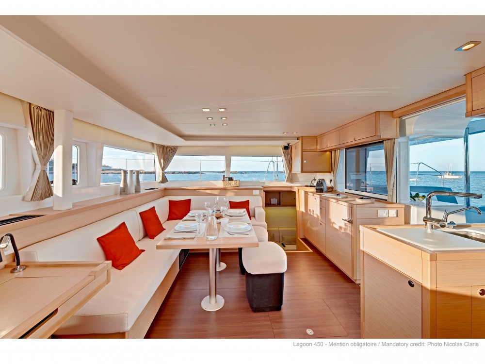 Location yacht à Split - Lagoon Lagoon 450 F (2019) equipped with generator, A/C (saloon+cabins), water maker, dishwasher, ice maker, bow truster sur SamBoat