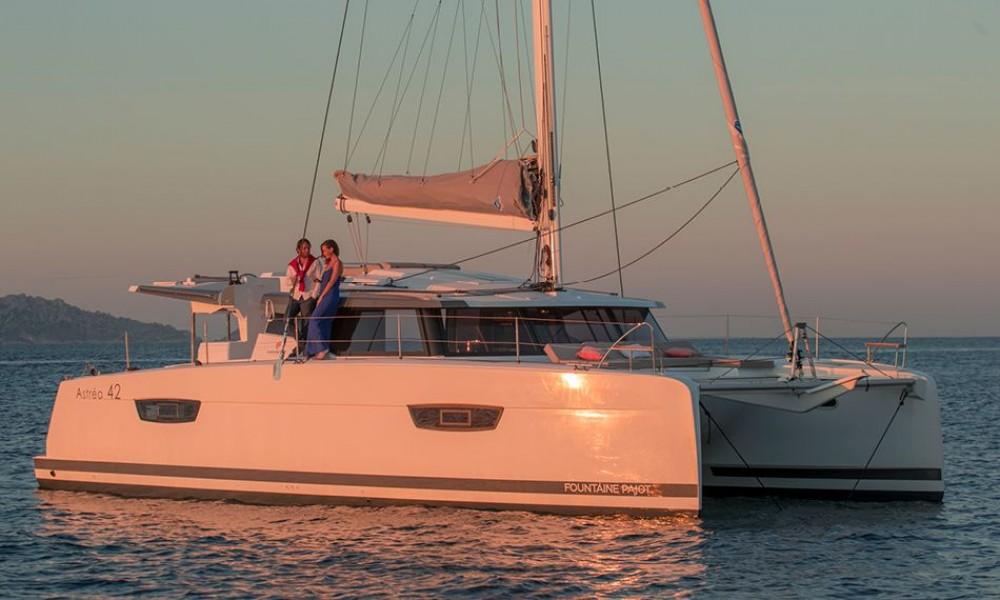 Location bateau Croatie pas cher Fountaine Pajot Astrea 42 - 3 + 1 cab.