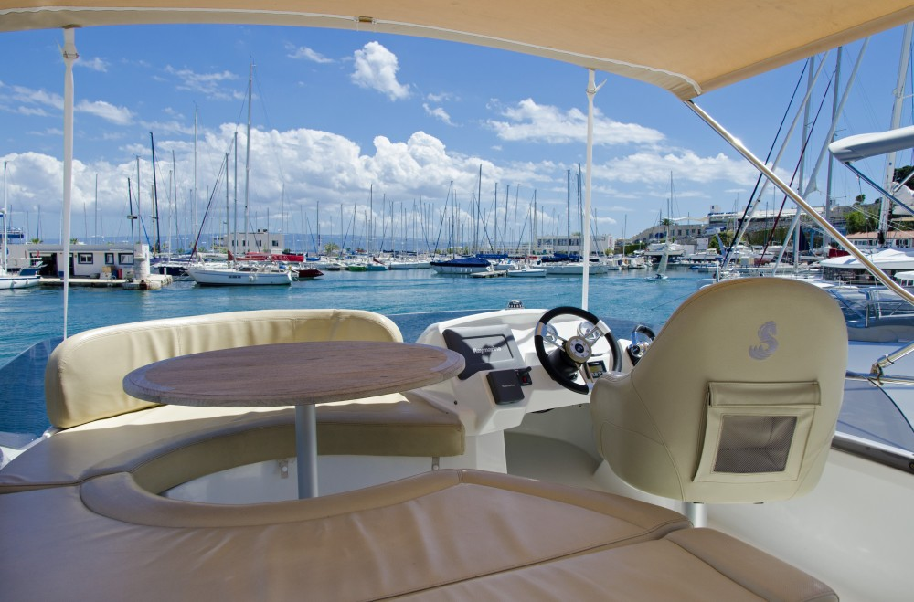 Louez un Bénéteau Antares 36 (2011) à Split