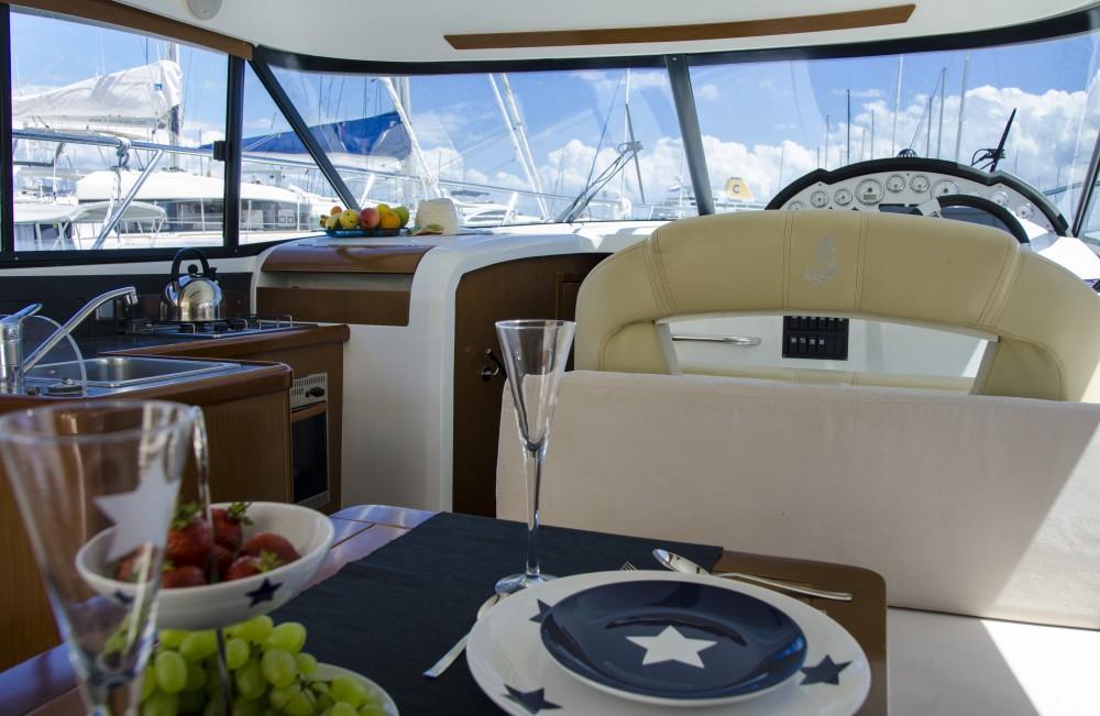 Location bateau Split pas cher Antares 36 (2011)