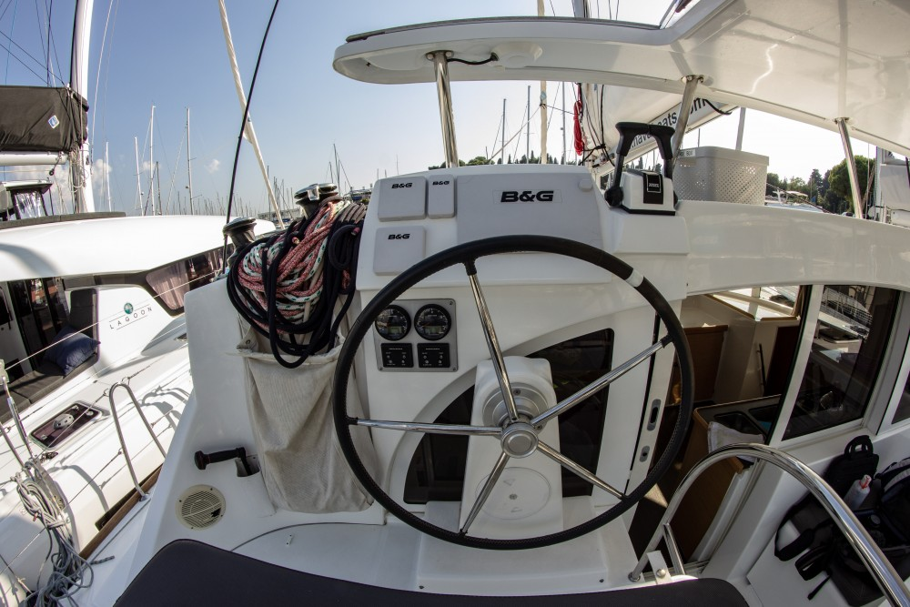 Louez un Lagoon Lagoon 380 (2015) à Spalato