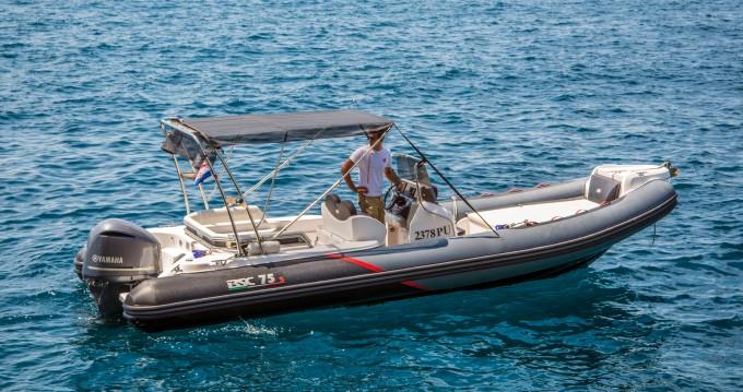 Louer Bateau à moteur avec ou sans skipper Bsc à Veruda