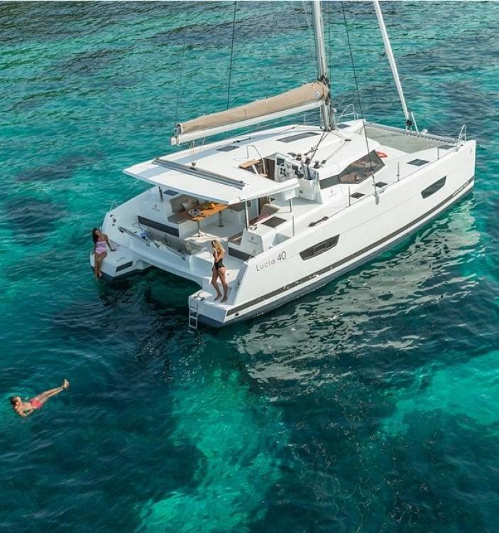 Location bateau Trogir pas cher Fountaine Pajot Lucia 40