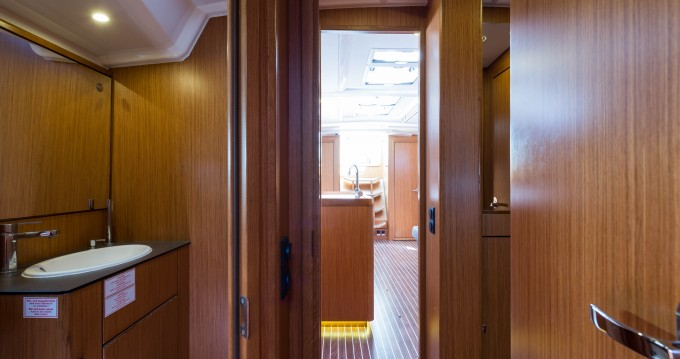 Louez un Bavaria Cruiser 56 à Lefkada (Île)