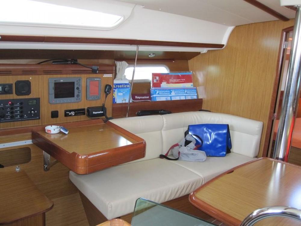 Louez un Jeanneau Sun Odyssey 39i à Croatie