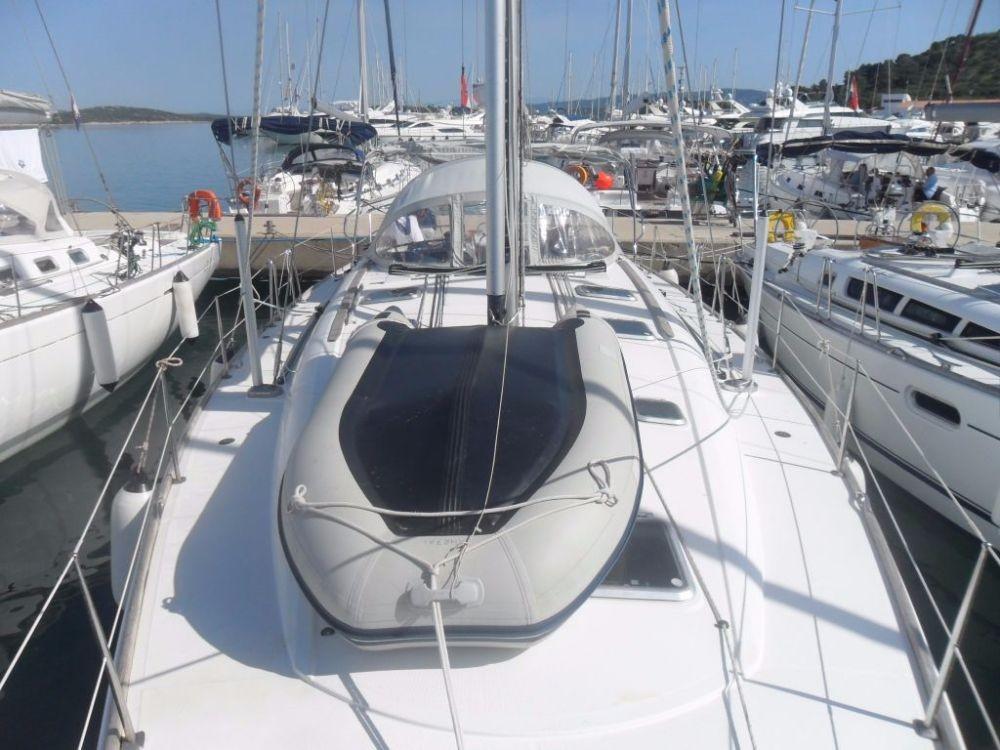 Louer Voilier avec ou sans skipper Jeanneau à Jezera