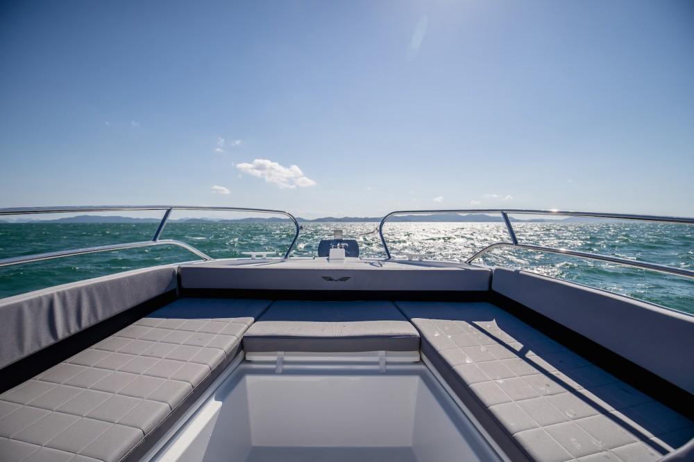 Location bateau Phuket pas cher Beneteau Flyer 8.8