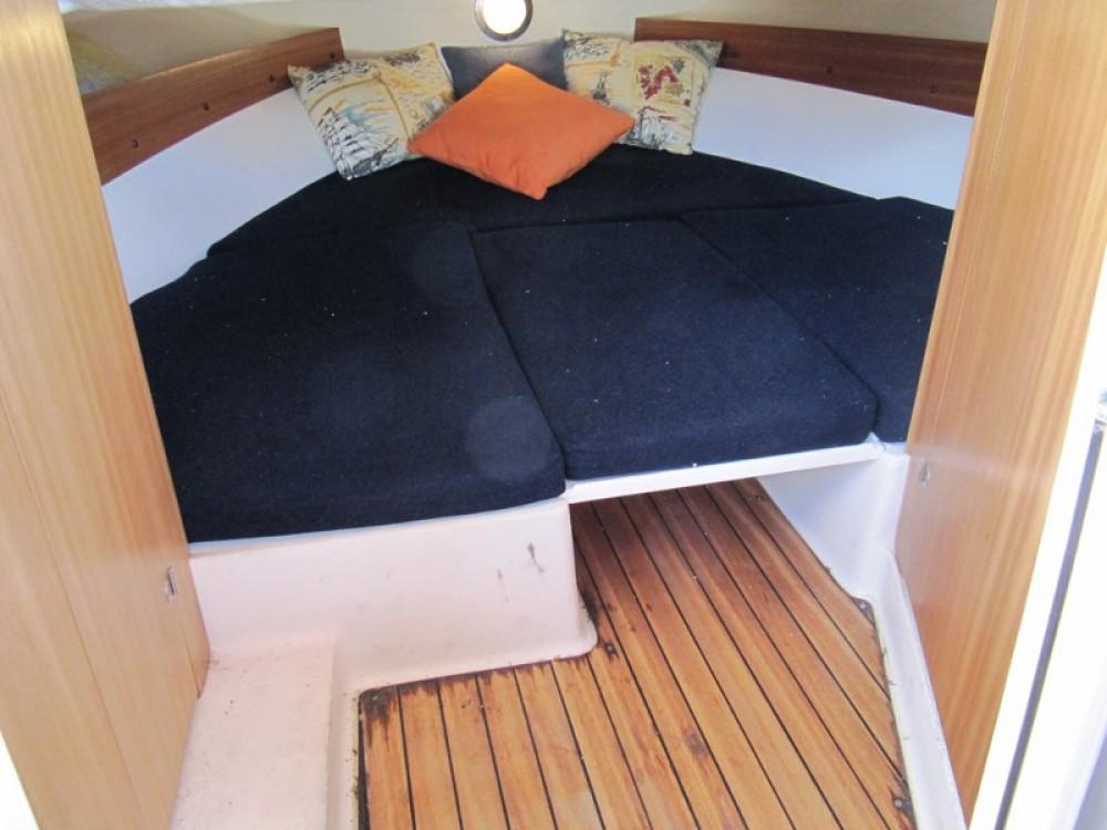 Louer Bateau à moteur avec ou sans skipper Atlantic à Vinišće