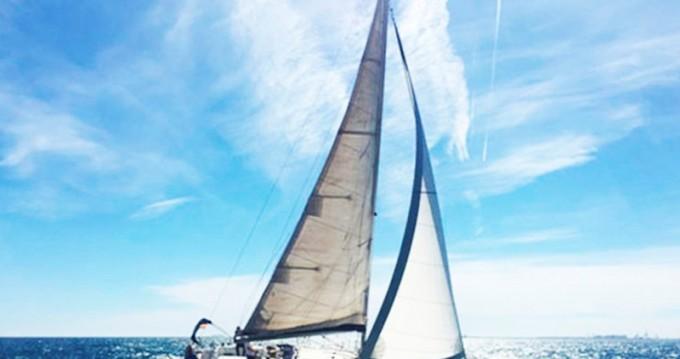 Location bateau Bénéteau Oceanis 393 Clipper à Vinišće sur Samboat