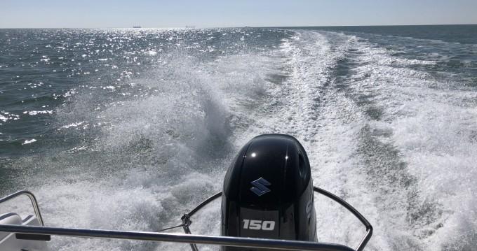 Louer Bateau à moteur avec ou sans skipper B2 Marine à La Rochelle