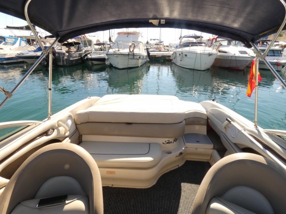 Louez un Sea Ray Sea Ray 220 Select à Fuengirola