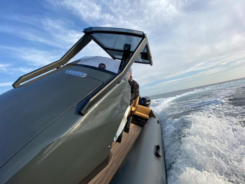 Louez un Ribco Seafarer 33 à Grad Zadar