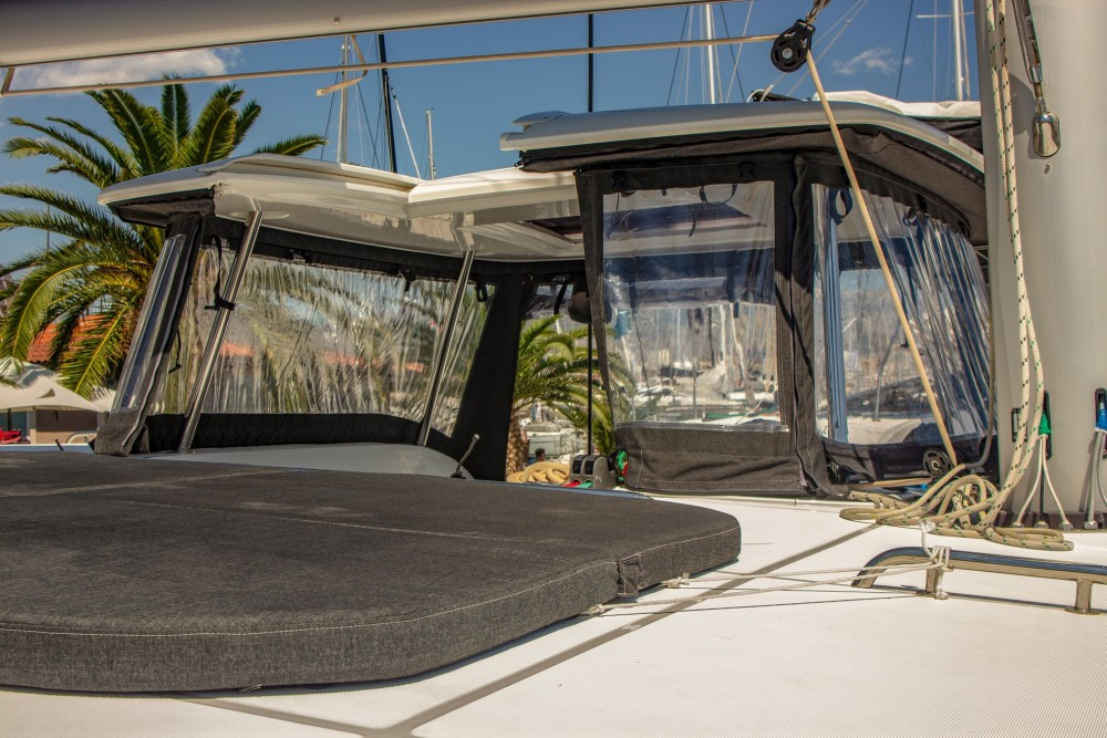Location bateau Split pas cher Lagoon 42 (2017) MALA KATE equipped with generator, A/C (saloon)