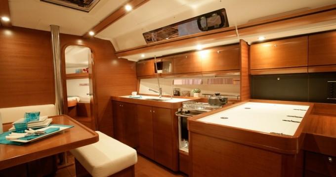 Location bateau Veruda pas cher Dufour 405 BM