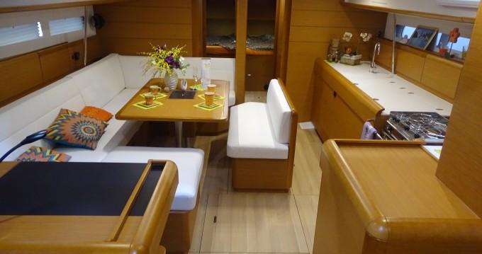 Location bateau Jeanneau Sun Odyssey 519 FM à Mindelo sur Samboat