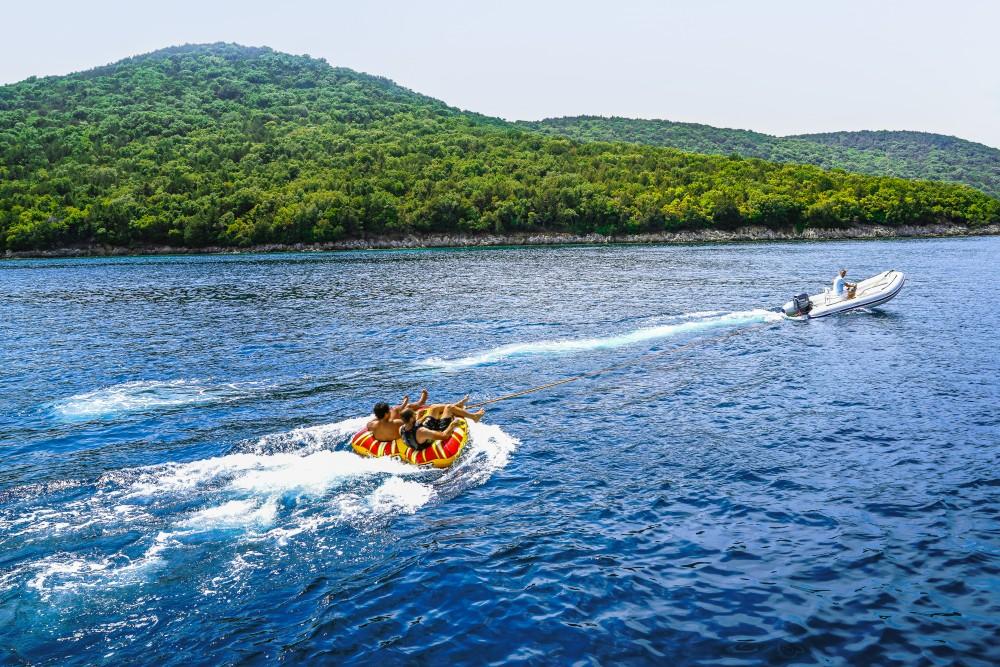 Catamaran à louer à Kontokali au meilleur prix