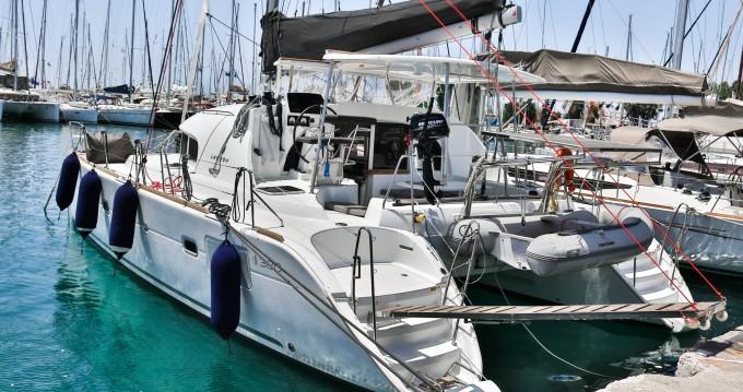 Location bateau Álimos pas cher Lagoon 380