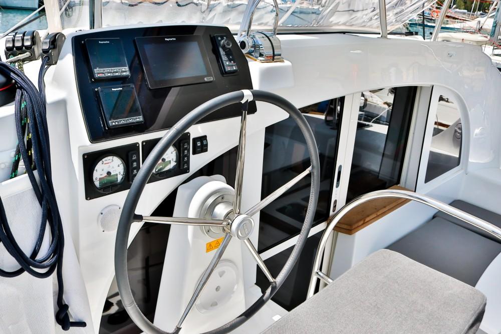 Location Catamaran à Álimos - Lagoon Lagoon 380 ( INVENTER )