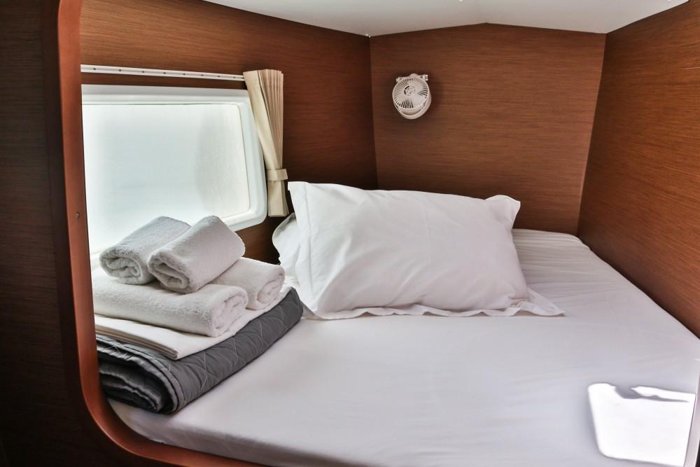 Location bateau Álimos pas cher Lagoon 380 ( INVENTER )