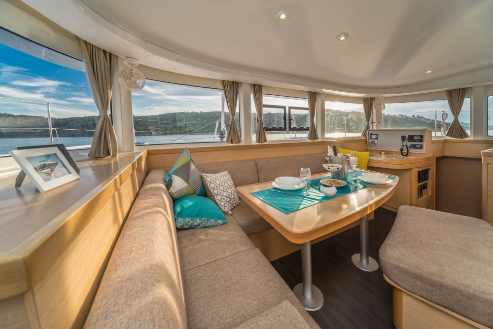 Lagoon Lagoon 42 (2017) MALA KATE equipped with generator, A/C (saloon) entre particuliers et professionnel à Split