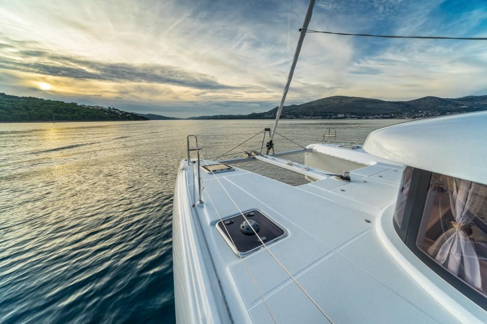 Location bateau Lagoon Lagoon 42 (2017) MALA KATE equipped with generator, A/C (saloon) à Split sur Samboat