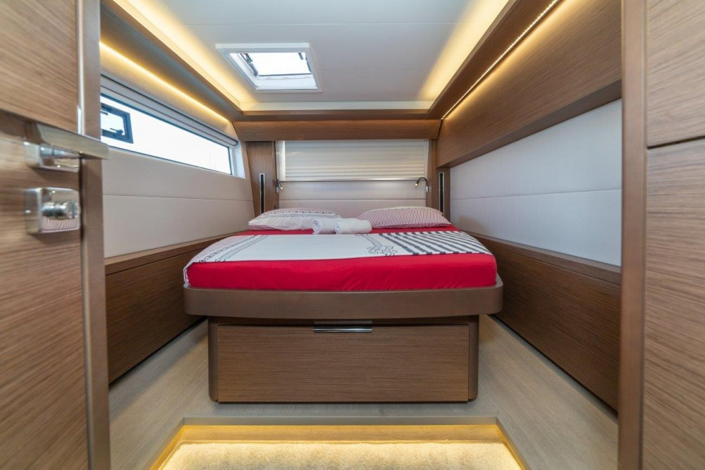 Location yacht à Split - Lagoon Lagoon 50 (2018)equipped with airconditioning (saloon + cabins), generator, watermaker, ice maker, dishwasher, washer/dryer, 2 SUP sur SamBoat