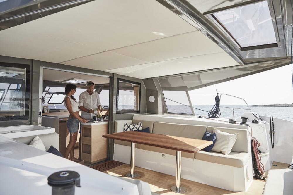 Catamaran à louer à Castelldefels au meilleur prix