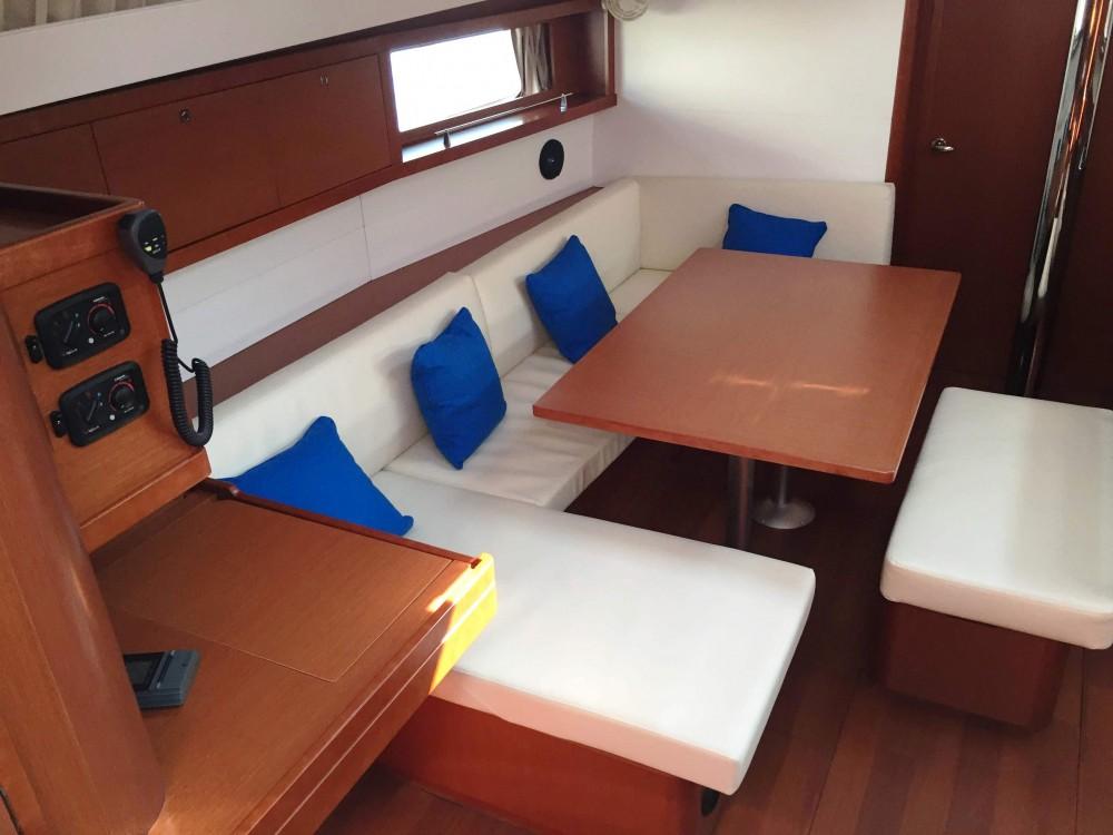 Location yacht à Marsala Marina - Bénéteau Oceanis 48 sur SamBoat