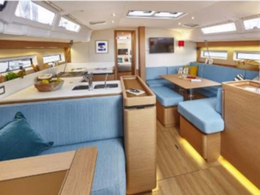 Location yacht à  - Jeanneau Sun Odyssey 490 sur SamBoat