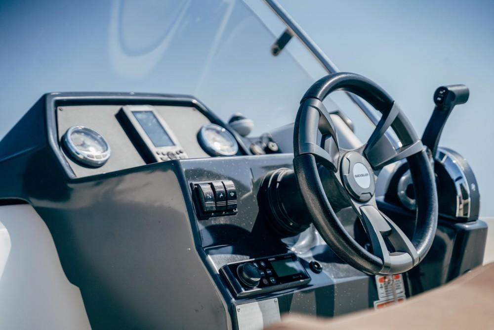 Location bateau Quicksilver Activ 675 Open à Marseille sur Samboat