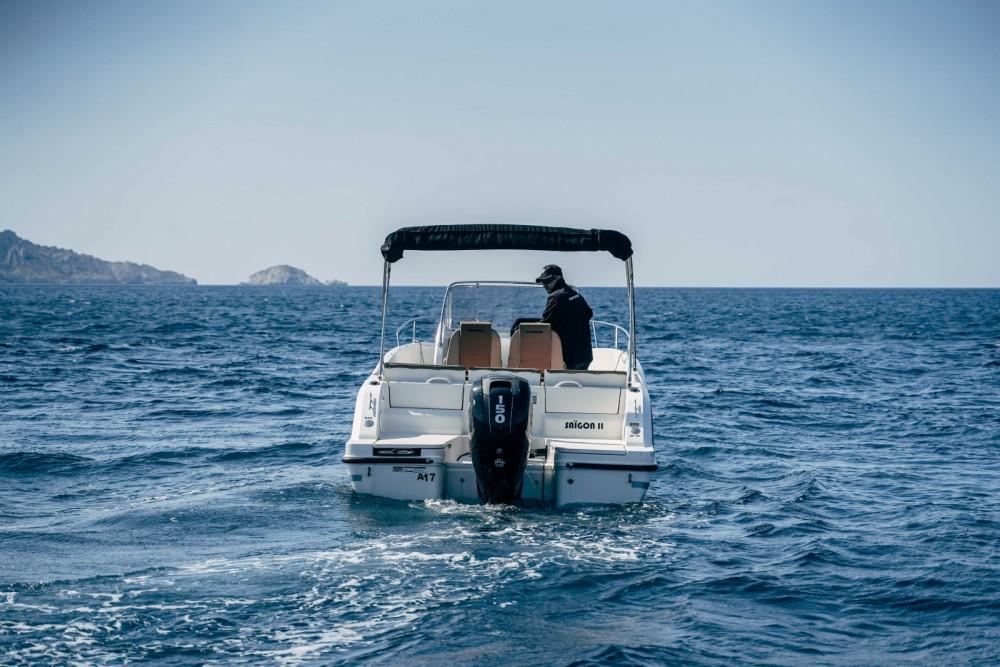 Location bateau Marseille pas cher Activ 675 Open