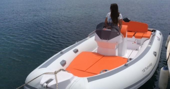 Louer Semi-rigide avec ou sans skipper MV Marine à Olbia