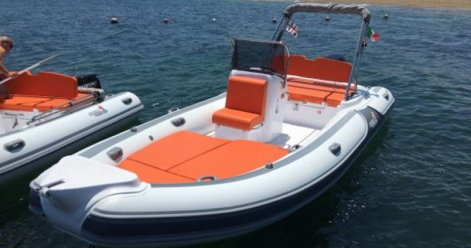 Location yacht à Porto Rotondo - Motonautica-Vesuviana MV 620 sur SamBoat