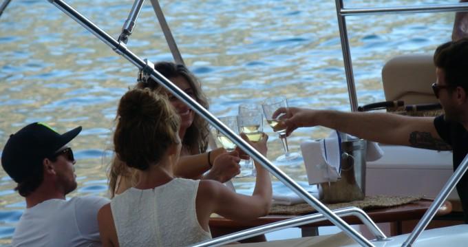 Louer Semi-rigide avec ou sans skipper Sacs à Port de Sóller