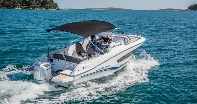 Location bateau Jeanneau Jeanneau Cap Camarat 7.5 WA SERIE 2 à Veruda sur Samboat