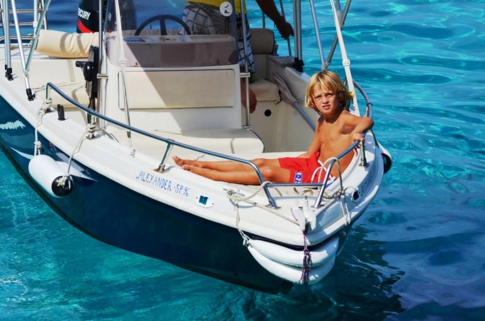 Yachting Club 470 entre particuliers et professionnel à Gaios